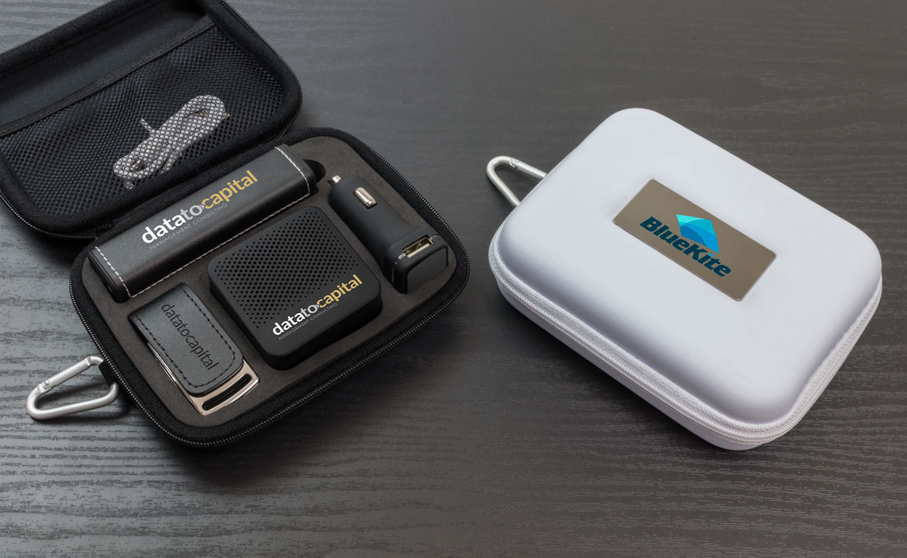 Leather L - USB Stick Bedrukken, Powerbank Bedrukken, Custom Car Charger en Luidspreker Logo